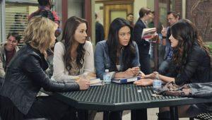 Pretty Little Liars: S02E17