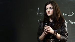 Pretty Little Liars: S01E01