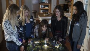 Pretty Little Liars: S07E12
